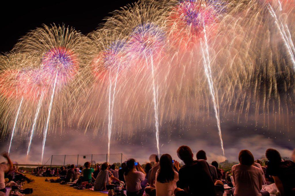 長岡花火大会のフェニックス席から見たフェニックス花火