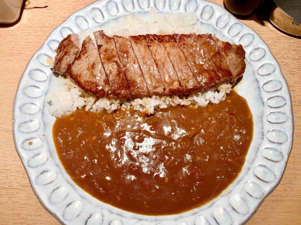 渋谷フラヌールのステーキカレー