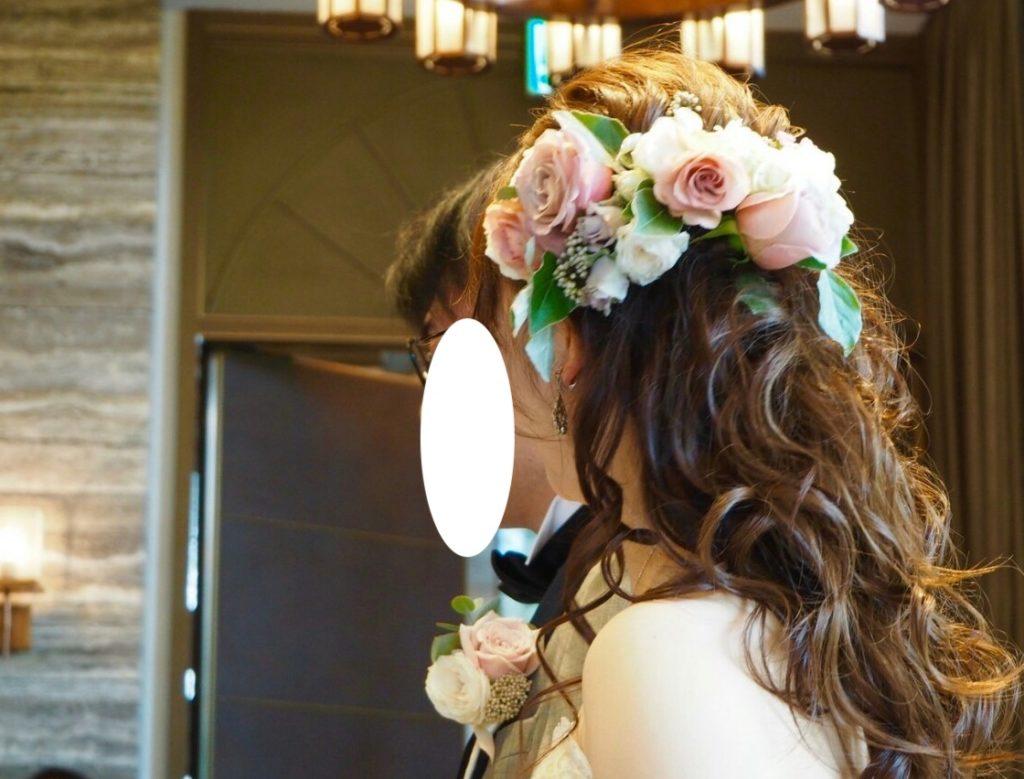 髪飾りも生花でやってもらえました